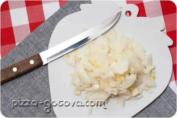 Чистим луковицы