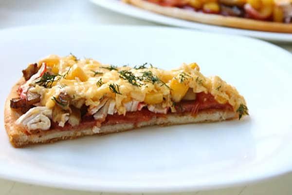Пицца с крабовыми палочками