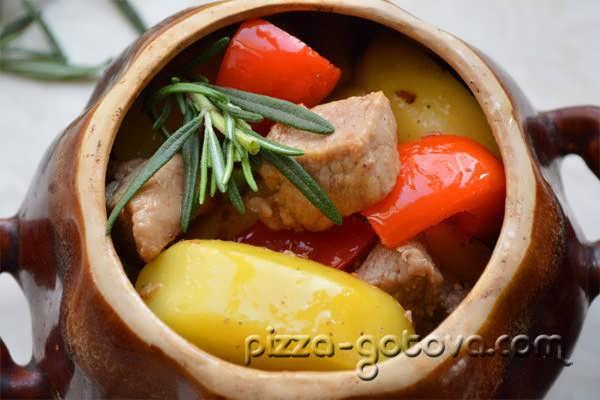 Тушеная свинина в духовке рецепт с фото