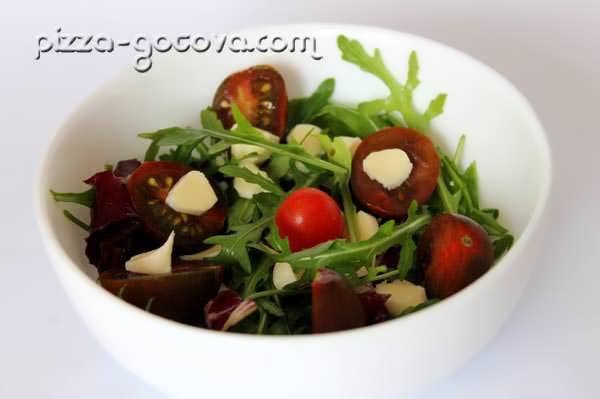 Салаты с оливковым маслом и бальзамическим уксусом