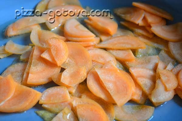 пассируем морковь