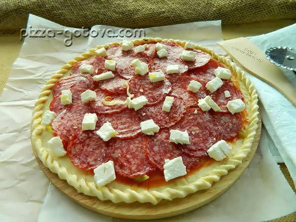 разложить сыр Моцарелла