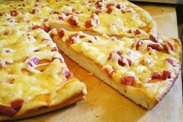 Пицца на скорую руку на сковородке