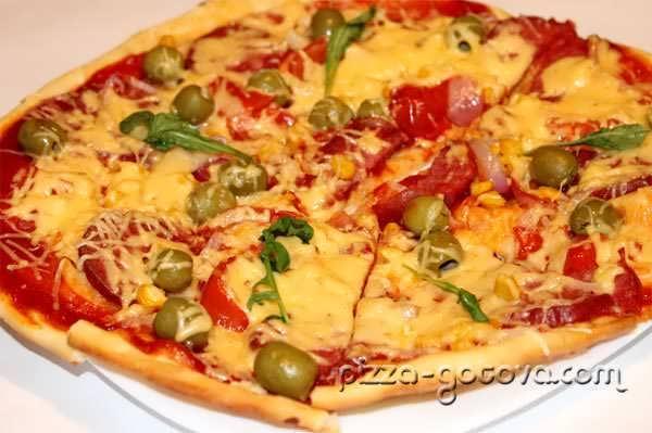 Пицца с оливками фото