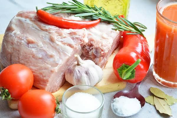приготовления свинины в томатном соусе