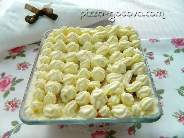 украшаем десерт кремом