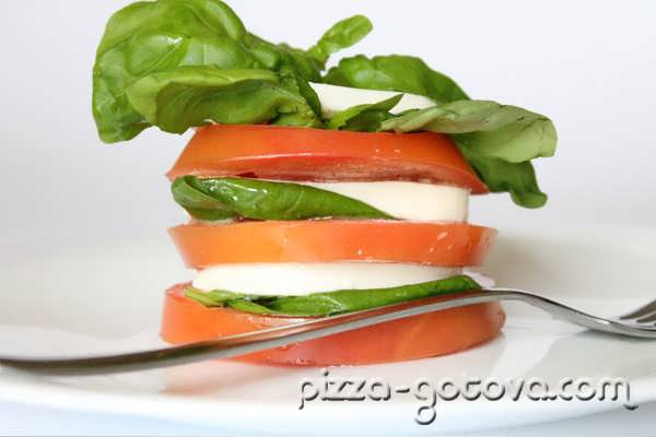 Салат капрезе, фото