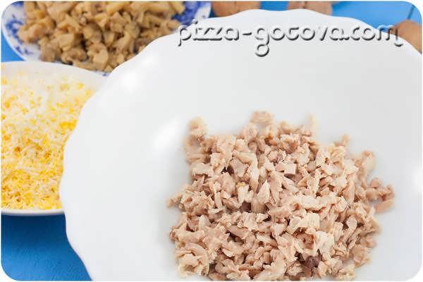 salat s kuritsey i chernoslivom (4)