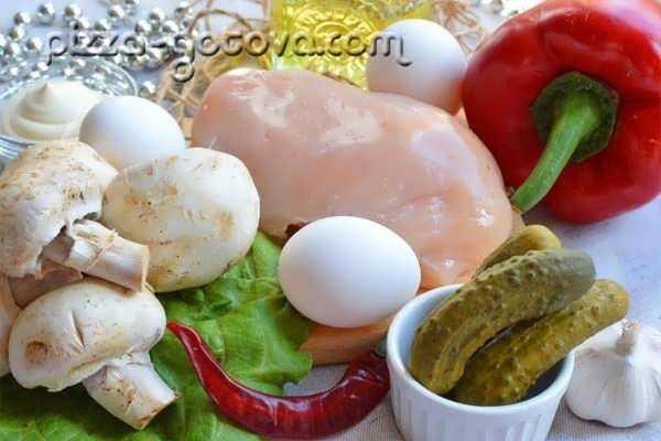 salat s shampinonami i kuritsey (2)