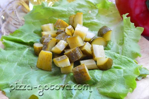 salat s shampinonami i kuritsey (8)