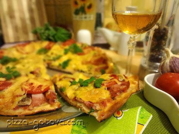 Тонкая итальянская пицца, фото