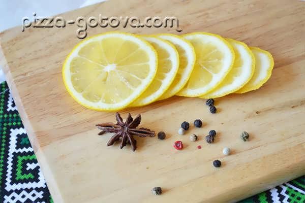 тонкие ломтики лимона