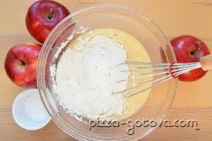 vkusnaya sharlotka s yablokami (4)