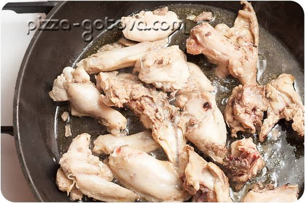 жарим кусочки курицы